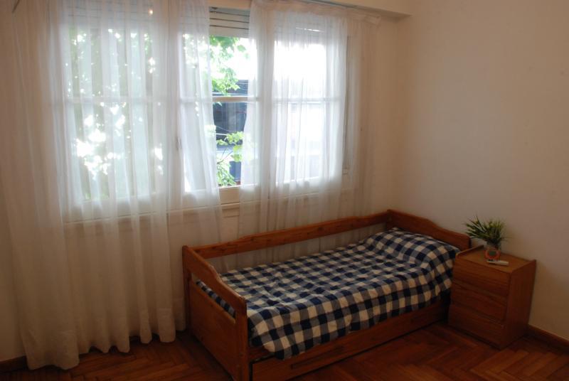Bedroom 2, A/C, 1 single bed, large closet/closet, wood floor