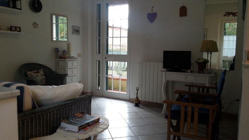appartamento in villetta di 2 unità al piano terra, vacation rental in Ronchi