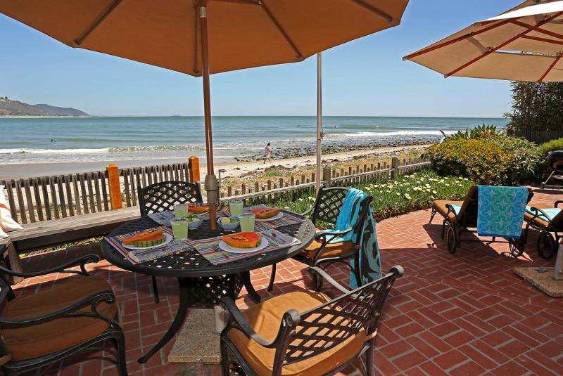 Oceanfront views and world class surfing at Rincon