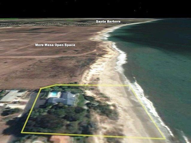 Luchtfoto van het behoud land en een privéstrand