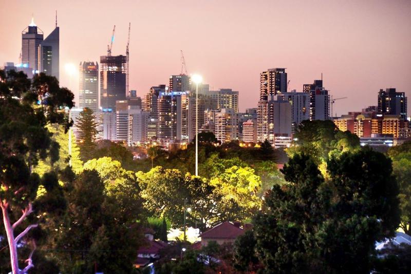 Enjoy uninterupted views of the Perth City Skyline