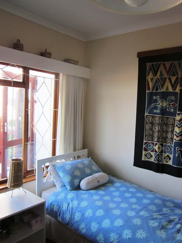 3 º dormitorio con 2 camas individuales