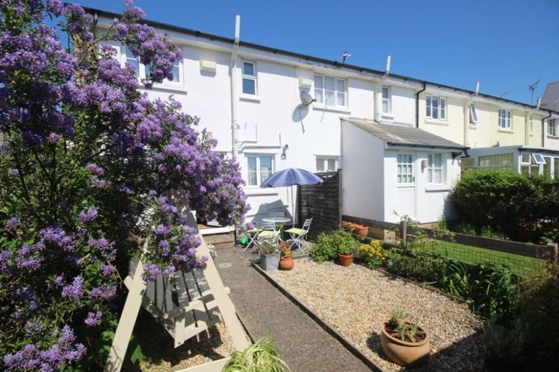 Seal Cottage with a wonderful sunny garden