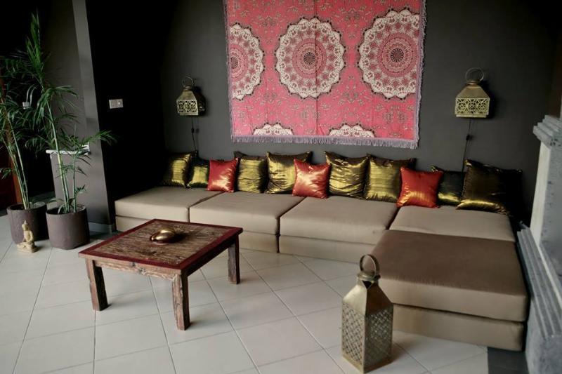 Schönes geräumiges Wohnzimmer, ein Kaffee, Rest oder Chat zu haben.