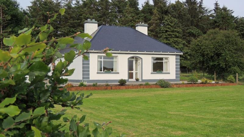 Green Acres Self Catering Holiday Home., holiday rental in Castletownshend