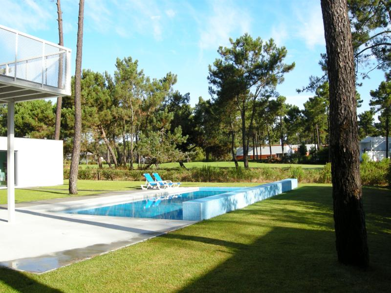 Aroeira Design House, holiday rental in Setubal District