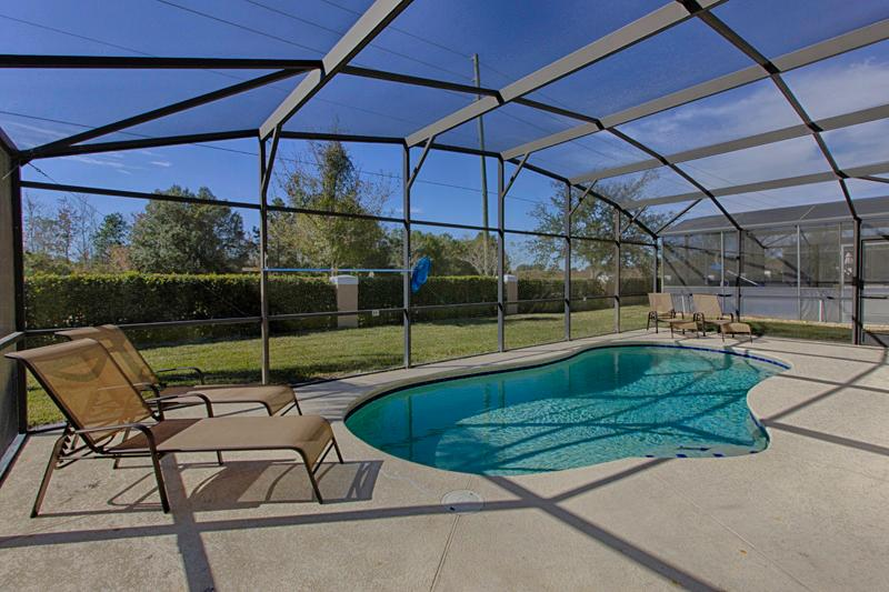 Villa Pool 1