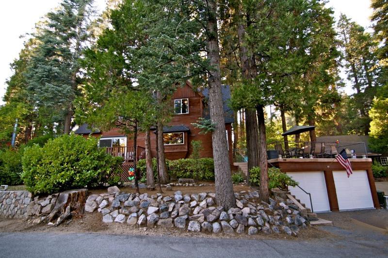 Street view of Honey Bear Lodge