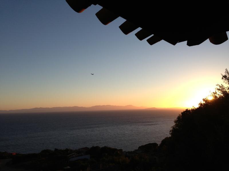 Stupenda villa panoramica sul mare, location de vacances à Torre delle Stelle
