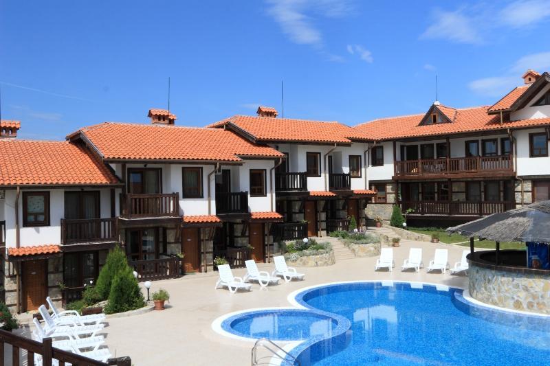 One-bedroom apartment near Kavatsi beach, aluguéis de temporada em Sozopol