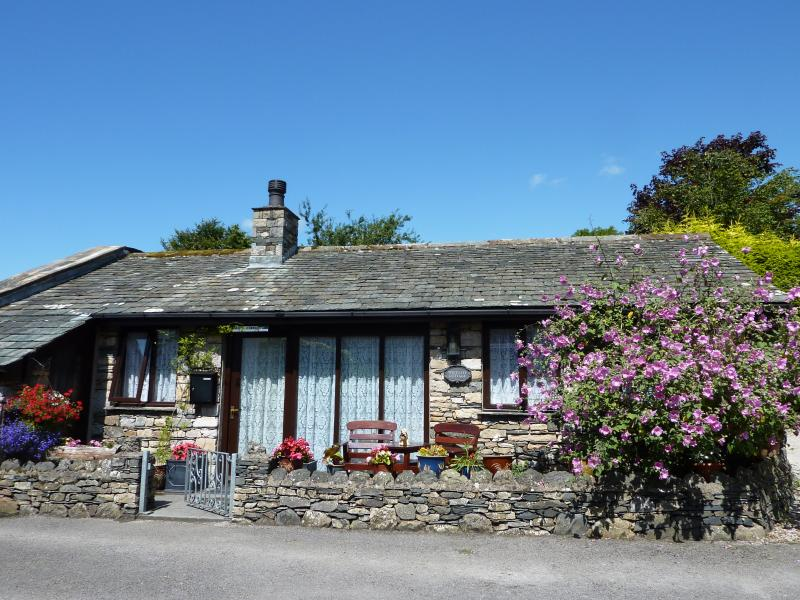 Westgate Cottage where people come back year after year, Ferienwohnung in Cartmel