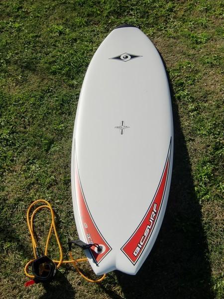 Surfboard rental by Sandytoes Algarve