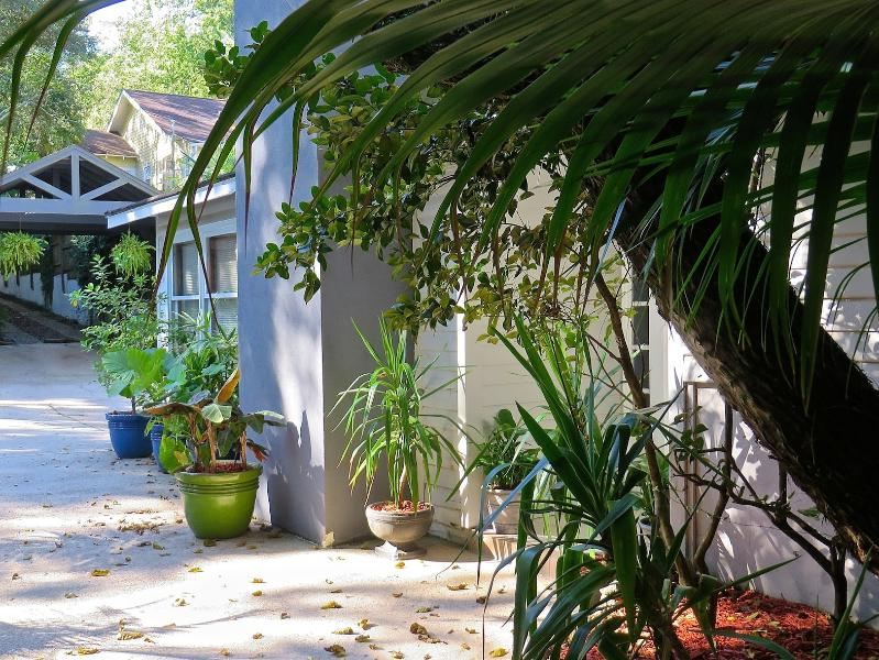 Mid-Town Pool House/Cabana, holiday rental in Tallahassee