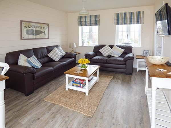 NANTUCKET COTTAGE on-site facilities, off road parking, pet-friendly cottage, vacation rental in Filey