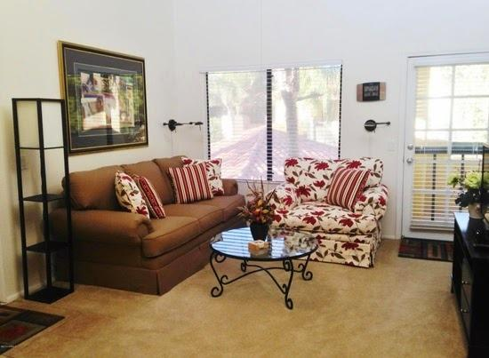 Bright and comfy living room with exit to the spacious balcony!