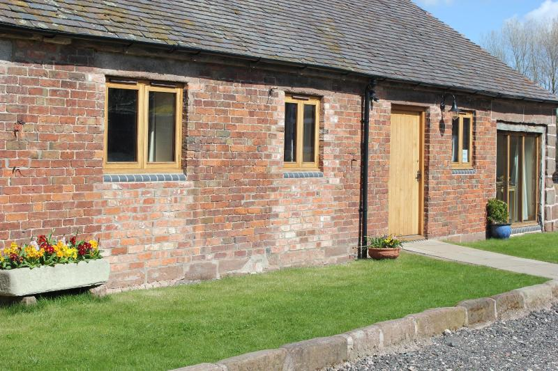 Churn Cottage, Sambrook, Newport, Shropshire, holiday rental in Longford