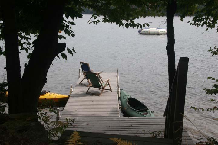 quai au bord du lac