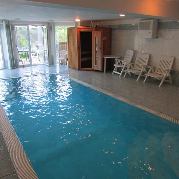 VILLA con piscina y sauna cerca de Praga
