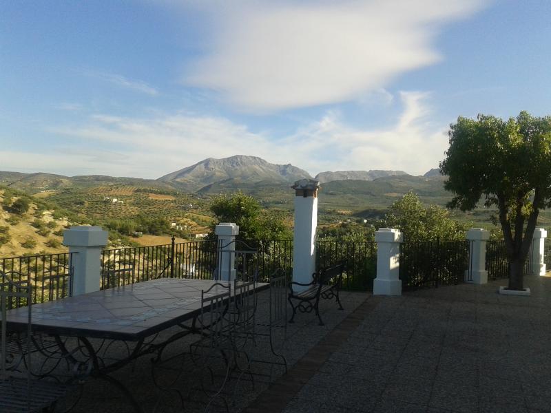 Casa de la Higuera nos ofrece desde sus terrazas magníficas vistas del Parque Natural