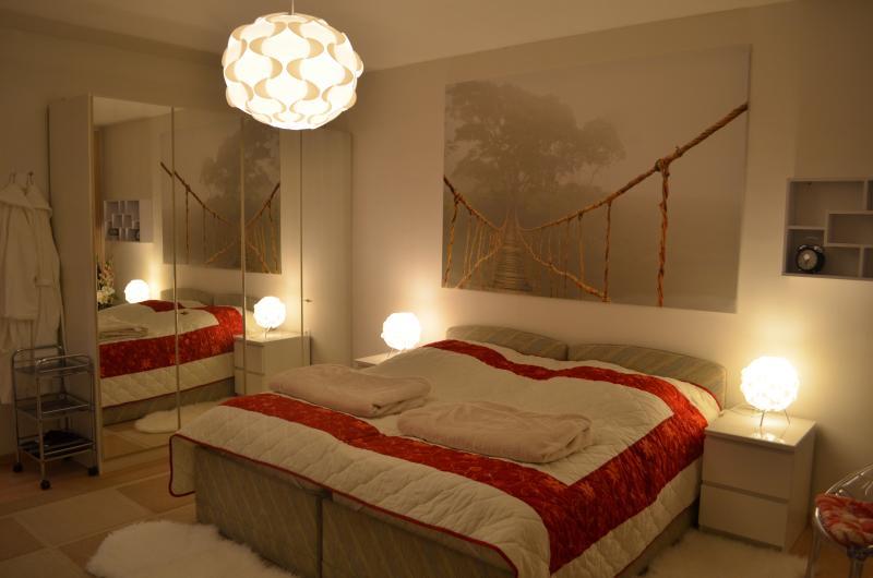 Moderne 4-Zimmer-Ferienwohnung, holiday rental in Lower Franconia