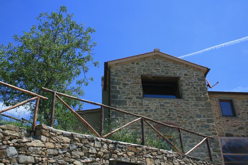 La Casa nel Borgo, nella natura ma vicino Firenze, location de vacances à San Godenzo