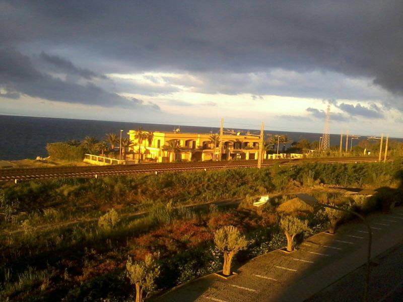 La Lampara Hote/Restaurant vom Balkon im Morgengrauen