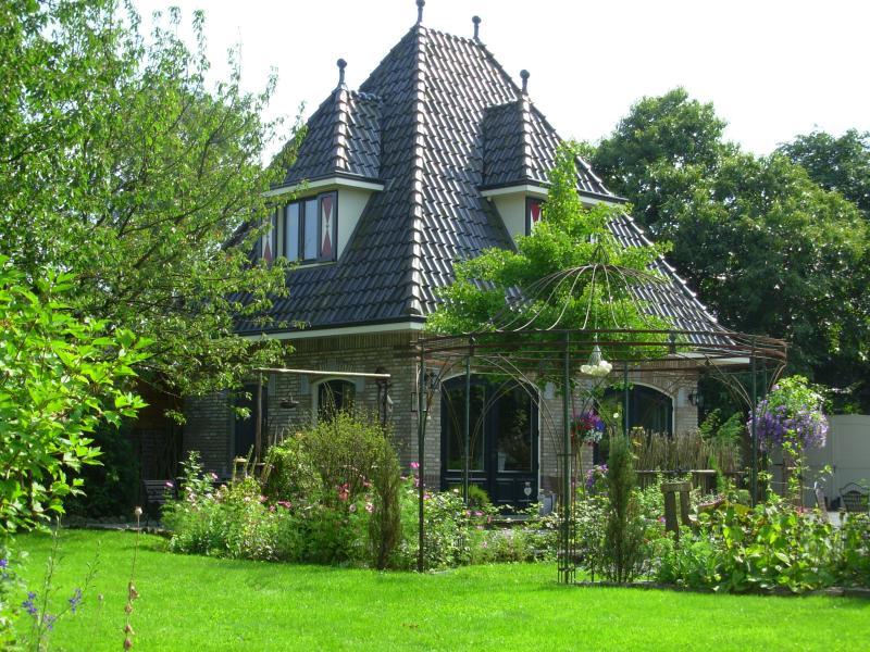 Angenehmer Aufenthalt im Gästehaus & quot; Logies Taverne & quot; Das Gästehaus, Blick auf den Garten