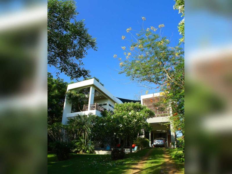 Bright blue skies | The Levels | luxury, sea-view, villa for rent, Koh Lanta, Thailand