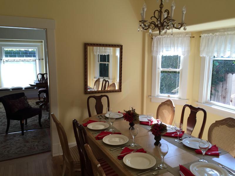 Tempo di famiglia intorno al tavolo senza dover uscire