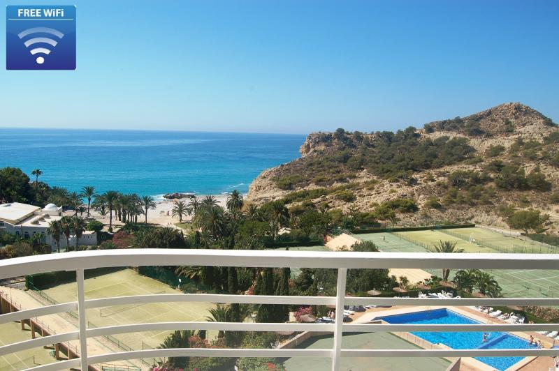 Without doubt one of the most privileged balconies of the Costa Blanca...