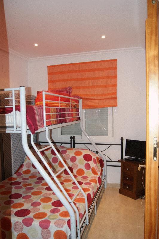 BR2 Double + Single top bunk