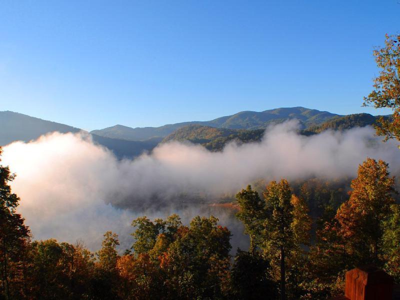 Geniet van uw ochtend View, net boven het water ...