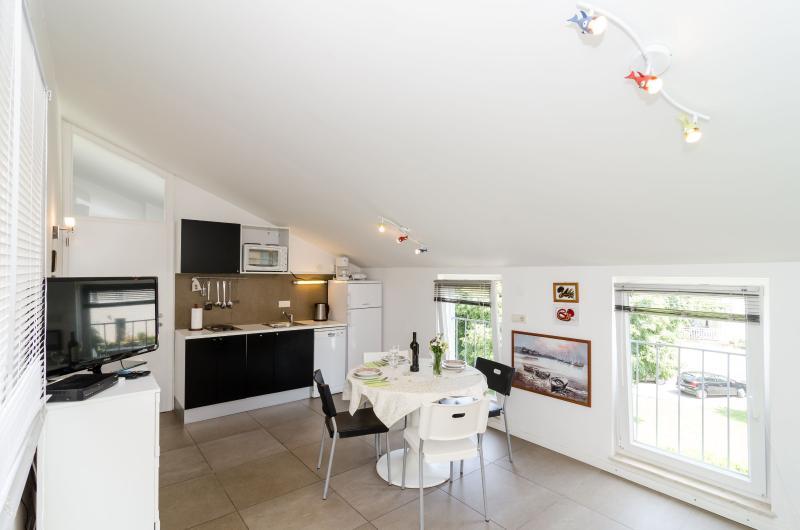 livingroom with kitchen aDora