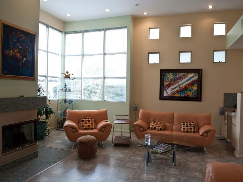Jewel of the Valley -  luxurious and modern townh., vacation rental in Bell Canyon