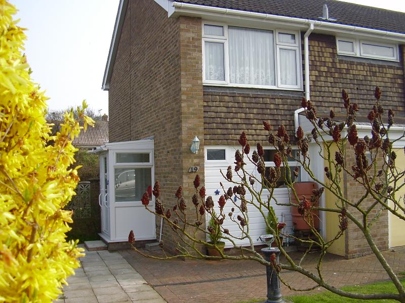 Rook View - Comfy Family House COVID AWARE fluffy towels ,ready made beds WI-FI., vacation rental in Frinton-On-Sea