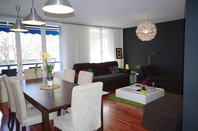 32M2 LIVING-ROOM OPEN ON A 18M2 BALCONY