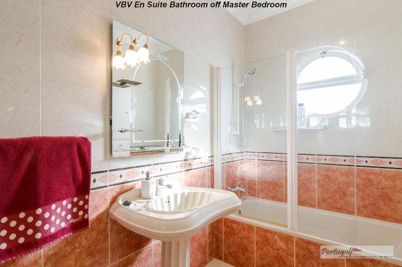 Bagno privato della camera matrimoniale