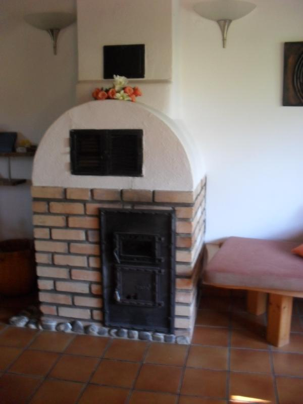 Fireplace with bench seat