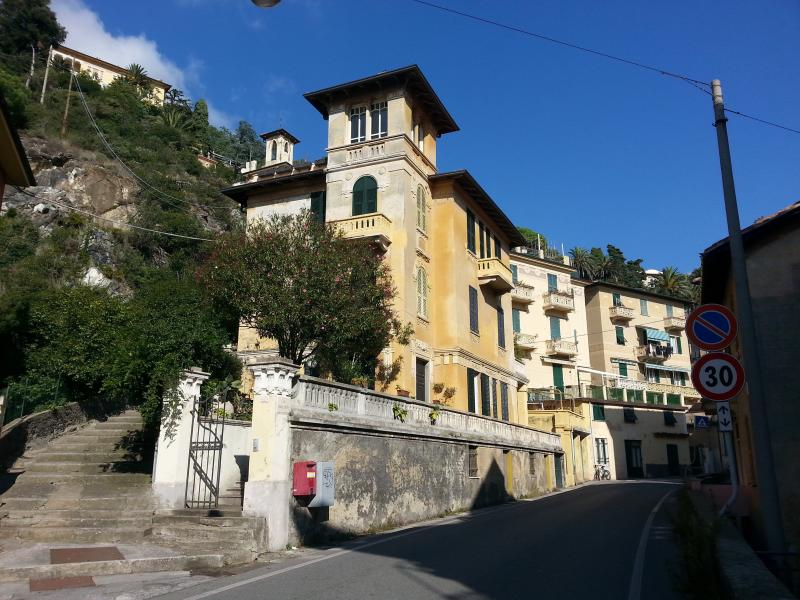 Apartment 'Madonnetta' 100mt from the sea, location de vacances à Levanto