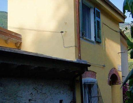 Romantic 600-year-old Pirate´s House, free WiFi, vacation rental in Monterosso al Mare