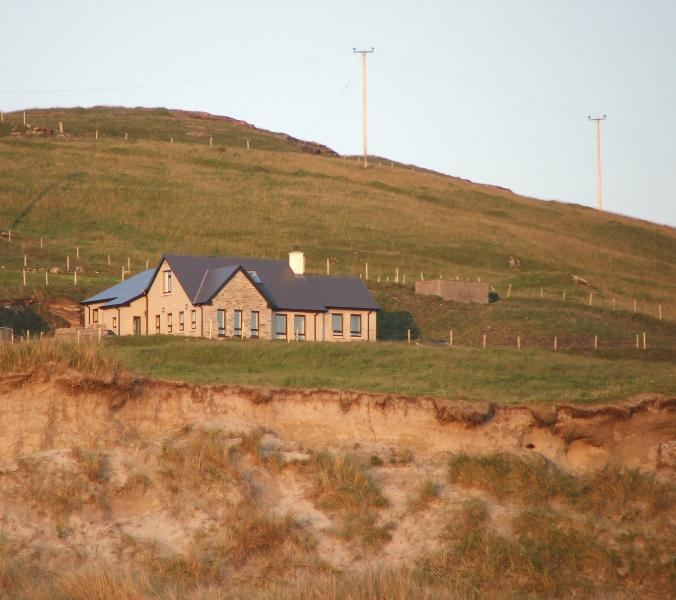 Beach House at Dooey,Lettermacward, Co Donegal on the Wild Atlantic Way, vacation rental in Ardara