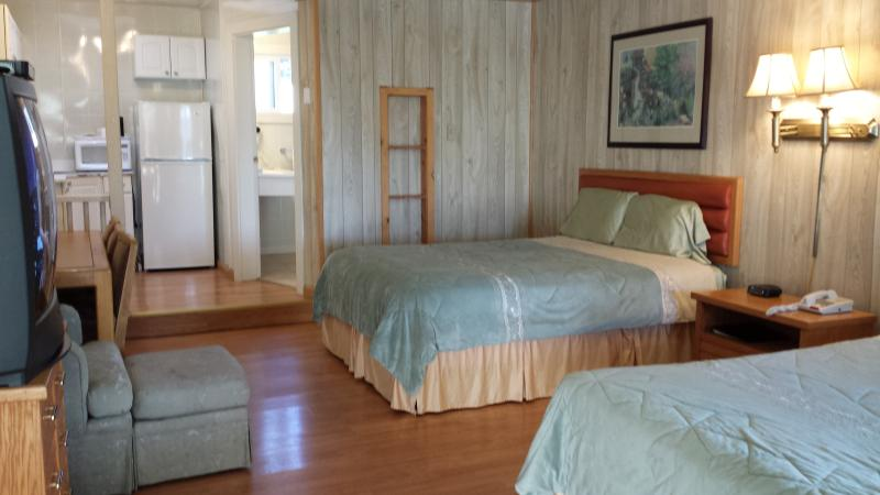 Family Suite (room 16), vacation rental in Mendocino County
