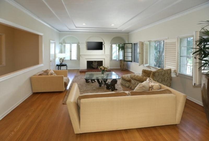 WALK TO RODEO DR !!! PRIME BEVERLY HILLS LOCATION!, holiday rental in Beverly Hills