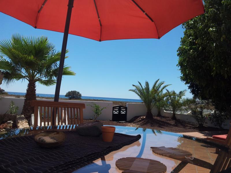 Villa exclusiva en primera línea de playa, location de vacances à Las Playitas