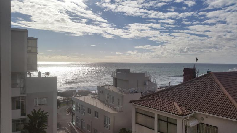 Sea front Self-Catering Apartment - Bantry Bay, location de vacances à Bantry Bay