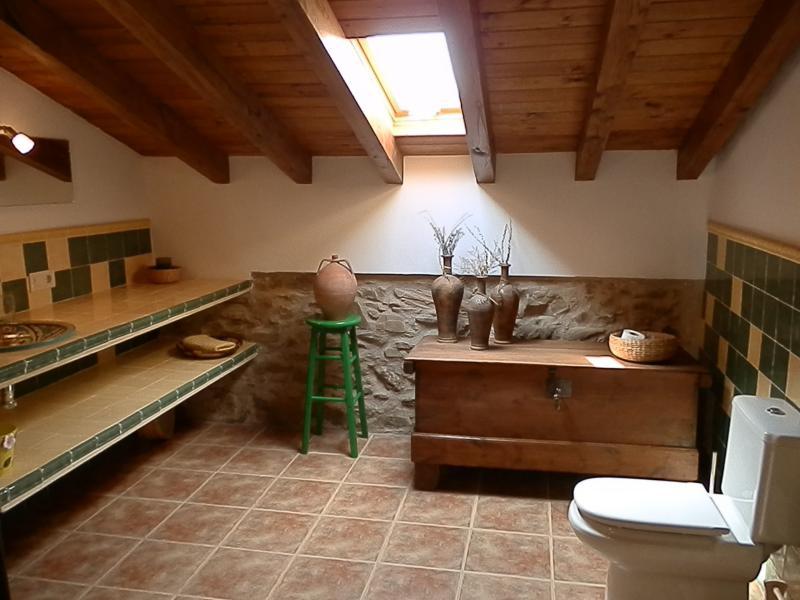 Cuarto de baño primera planta en suite.