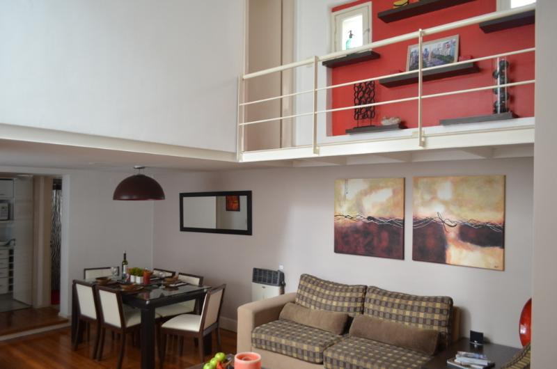$̶1̶9̶9̶ NOW $99 Owners featured on HGTV! Palermo Soho Loft - Close to All!, alquiler de vacaciones en Buenos Aires
