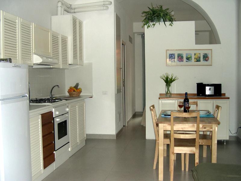La casa al mare 2 con posto auto sotto casa, holiday rental in Muggiano
