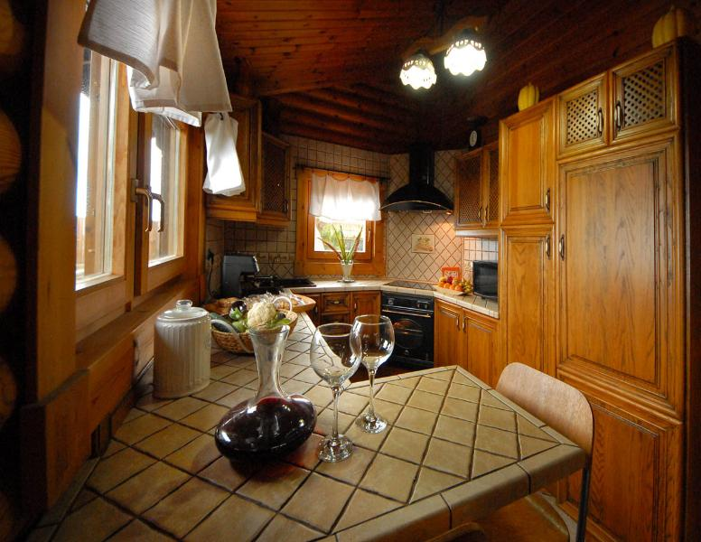 FULLY EQUIPPED KITCHEN WITH OVEN, DISHWASHER