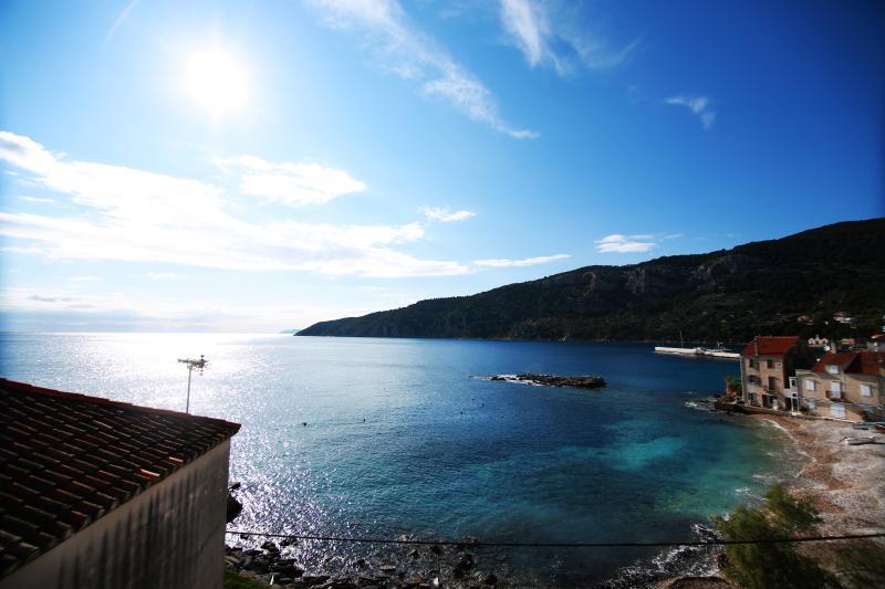 Amazing view 3 room apt, beach, vacation rental in Komiza